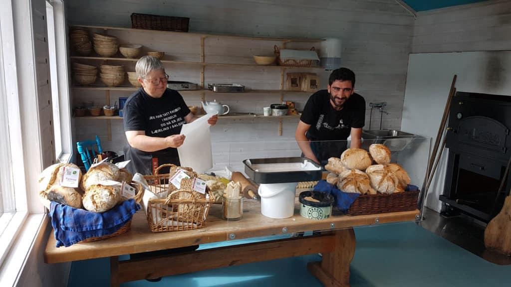 Bakerovnen er åpen hver dag